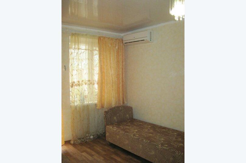 Сдам  дом в частном секторе, 25 кв.м. на 4 человека, 1 спальня, улица Кирова, 82, Евпатория - Фотография 4