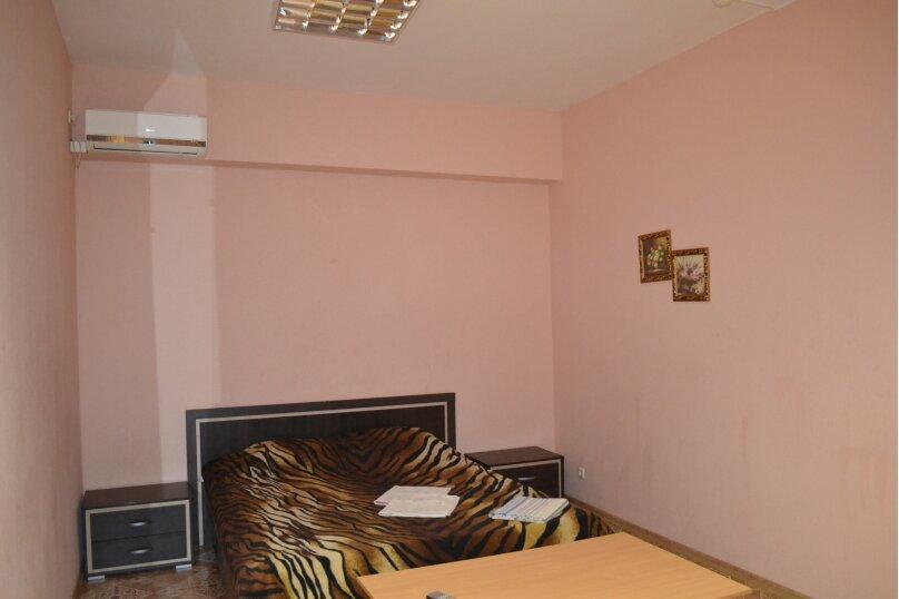 Двухместный номер с одной кроватью, улица Менделеева, 101, Волгоград - Фотография 1