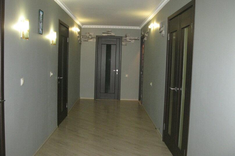 Первый этаж двухэтажного частного дома, 130 кв.м. на 4 человека, 2 спальни, Энгельса , 16а, Ессентуки - Фотография 6