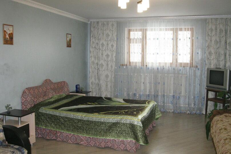 Первый этаж двухэтажного частного дома, 130 кв.м. на 4 человека, 2 спальни, Энгельса , 16а, Ессентуки - Фотография 10