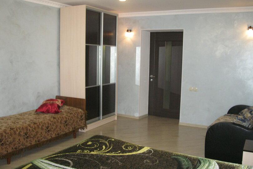 Первый этаж двухэтажного частного дома, 130 кв.м. на 4 человека, 2 спальни, Энгельса , 16а, Ессентуки - Фотография 11