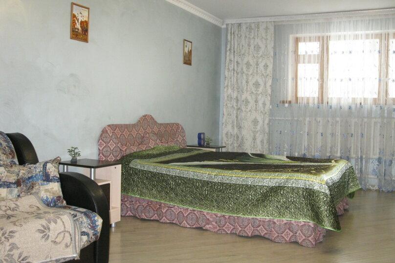 Первый этаж двухэтажного частного дома, 130 кв.м. на 4 человека, 2 спальни, Энгельса , 16а, Ессентуки - Фотография 12