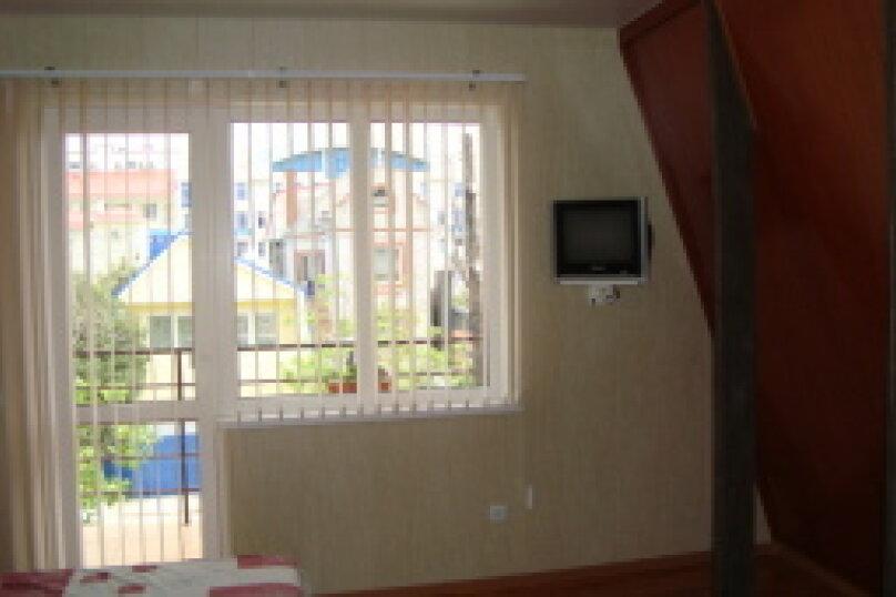 Номер 2-х местный№10 с балконом, (3-й этаж), Новороссийская улица, 63/2, Анапа - Фотография 1