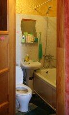 1-комн. квартира, 30 кв.м. на 3 человека, улица Николая Островского, 115, Астрахань - Фотография 4