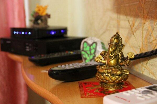 1-комн. квартира, 32 кв.м. на 3 человека, улица Комсомольская Набережная, 17, Астрахань - Фотография 1
