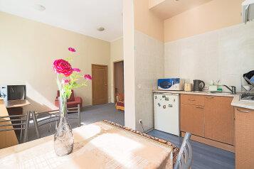 2-комн. квартира, 50 кв.м. на 5 человек, Захарьевская улица, 13, Санкт-Петербург - Фотография 2