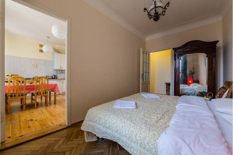 4-комн. квартира, 91 кв.м. на 8 человек, Кронверкский проспект, 45, Санкт-Петербург - Фотография 17