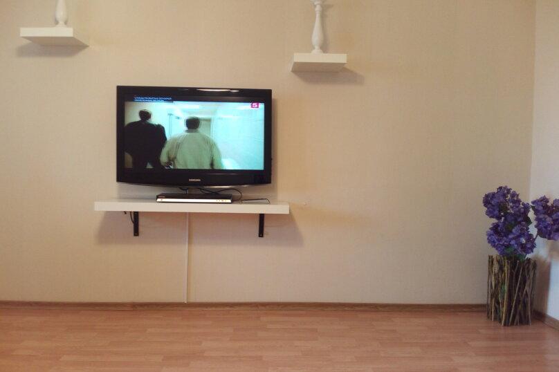2-комн. квартира, 57 кв.м. на 5 человек, улица Юлиуса Фучика, 91, Казань - Фотография 3