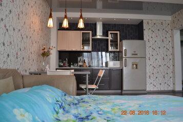 1-комн. квартира, 40 кв.м. на 2 человека, улица Лермонтова, 81/24, Иркутск - Фотография 1