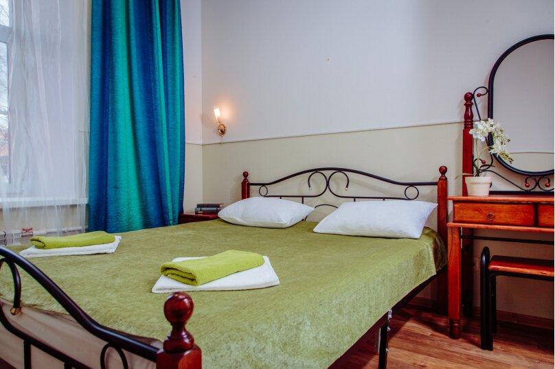 Номер с двухспальной кроватью, Итальянская улица, 12, метро Гостиный Двор, Санкт-Петербург - Фотография 1