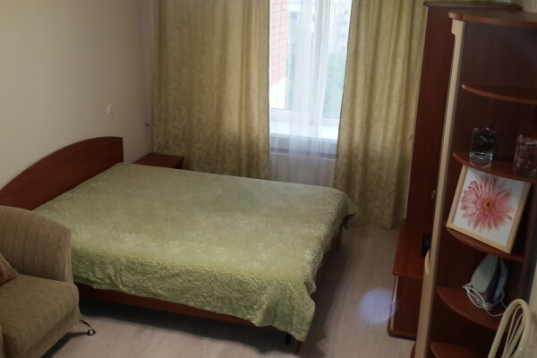 1-комн. квартира, 40 кв.м. на 4 человека, улица Чкалова, 37к1, Чкаловская, Нижний Новгород - Фотография 1