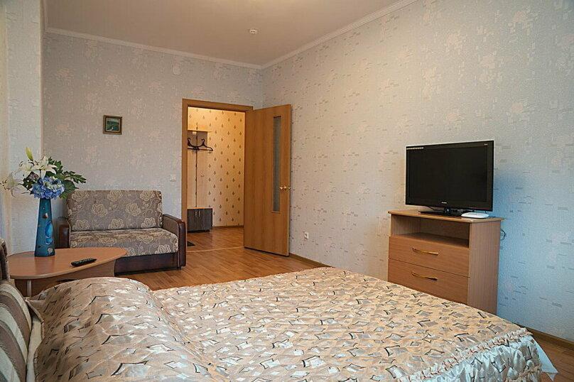 1-комн. квартира, 38 кв.м. на 4 человека, улица Дубровинского, 106, Красноярск - Фотография 2