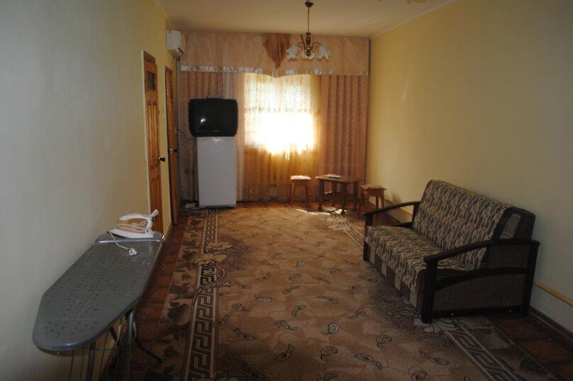 Коттедж на 4 человека, 4 спальни, улица Пушкина, 61, Евпатория - Фотография 5