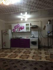Дом, 88 кв.м. на 5 человек, 2 спальни, 3-я Пролетарская улица, Тверь - Фотография 1