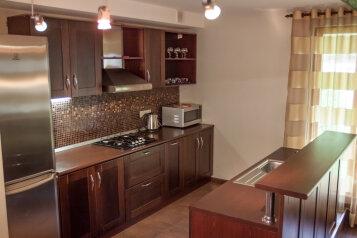 Коттедж , 230 кв.м. на 8 человек, 4 спальни, Березовая, Эстосадок, Красная Поляна - Фотография 2
