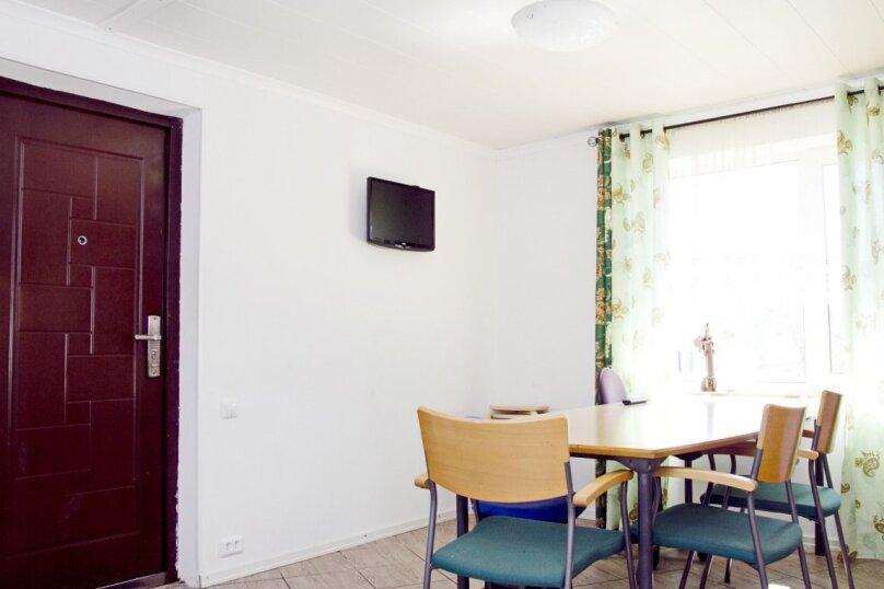 Уютная теплая дача , 130 кв.м. на 12 человек, 6 спален, Родниковая улица, 52, Выборг - Фотография 11