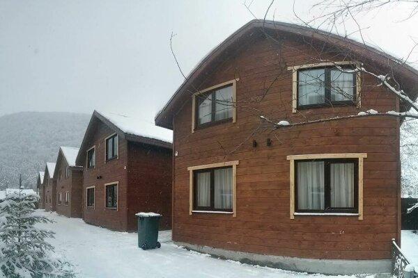 Коттеджи с двумя спальнями, Ачишховская улица, 30 на 1 номер - Фотография 1