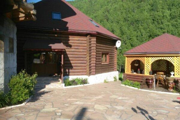 Гостевой Дом, 250 кв.м. на 10 человек, 3 спальни, улица Чапаева, 60, Листвянка - Фотография 1