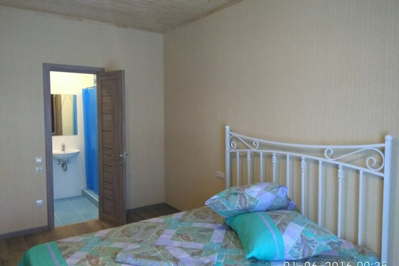 Коттедж с бассейном и сауной, 134 кв.м. на 4 человека, 2 спальни,  Лазурная , 6, Молочное - Фотография 8