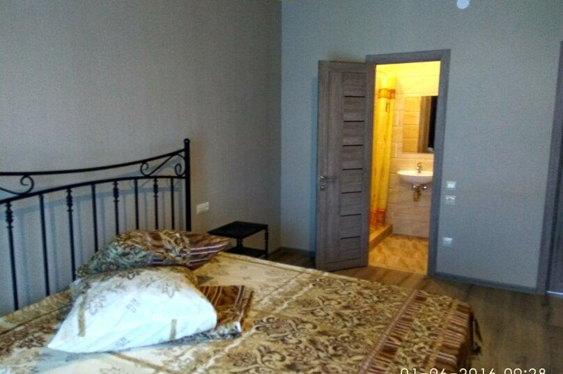 Коттедж с бассейном и сауной, 134 кв.м. на 4 человека, 2 спальни,  Лазурная , 6, Молочное - Фотография 10