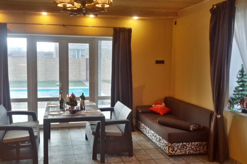 Коттедж с бассейном и сауной, 134 кв.м. на 4 человека, 2 спальни,  Лазурная , 6, Молочное - Фотография 18