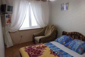 Коттедж  2-й этаж, 30 кв.м. на 6 человек, 2 спальни, Планерная, Коктебель - Фотография 2