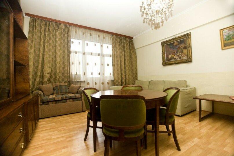 3-комн. квартира, 79 кв.м. на 9 человек, Павелецкая площадь, 1, Москва - Фотография 1