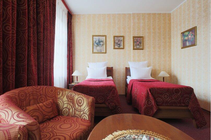 Бизнес две раздельные кровати, Уральская улица, 12, Санкт-Петербург - Фотография 1