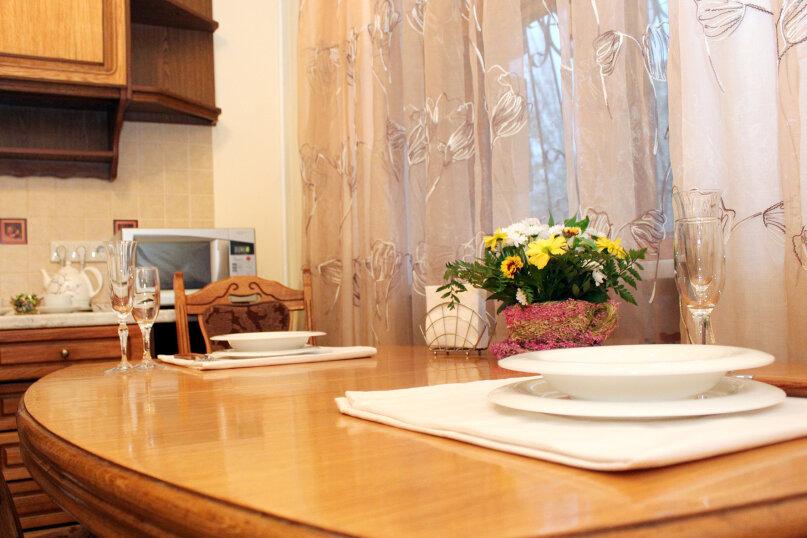 1-комн. квартира, 85 кв.м. на 6 человек, улица Аллея Героев, 4, Волгоград - Фотография 9