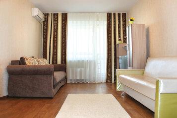 2-комн. квартира, 55 кв.м. на 5 человек, проспект имени В.И. Ленина, 72А, Центральный район, Волгоград - Фотография 4