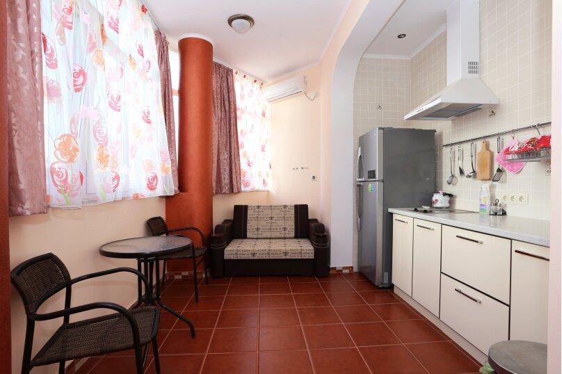 Отдельная комната, Черноморская набережная, 1 е, Феодосия - Фотография 1