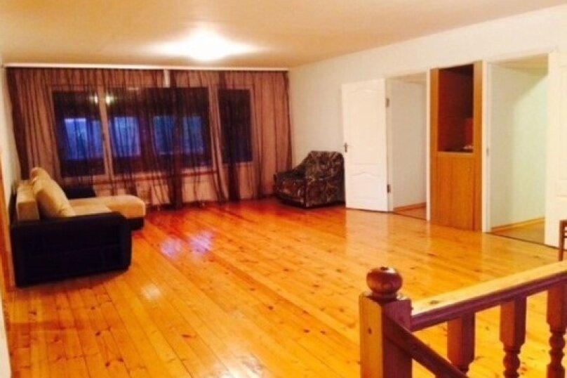 Комфортабельный дом для большой компании, 300 кв.м. на 24 человека, 7 спален, ул. Верхняя, 86, Ломоносов - Фотография 2
