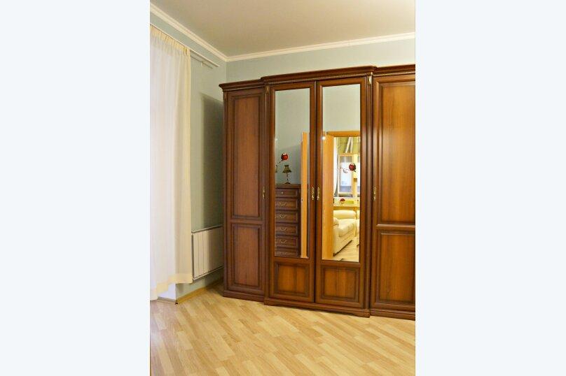 2-комн. квартира, 59 кв.м. на 4 человека, улица Калинина, 30, Казань - Фотография 5