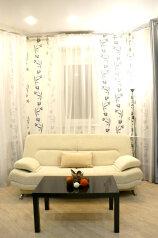 2-комн. квартира, 80 кв.м. на 7 человек, улица Адоратского, 1А, Казань - Фотография 3