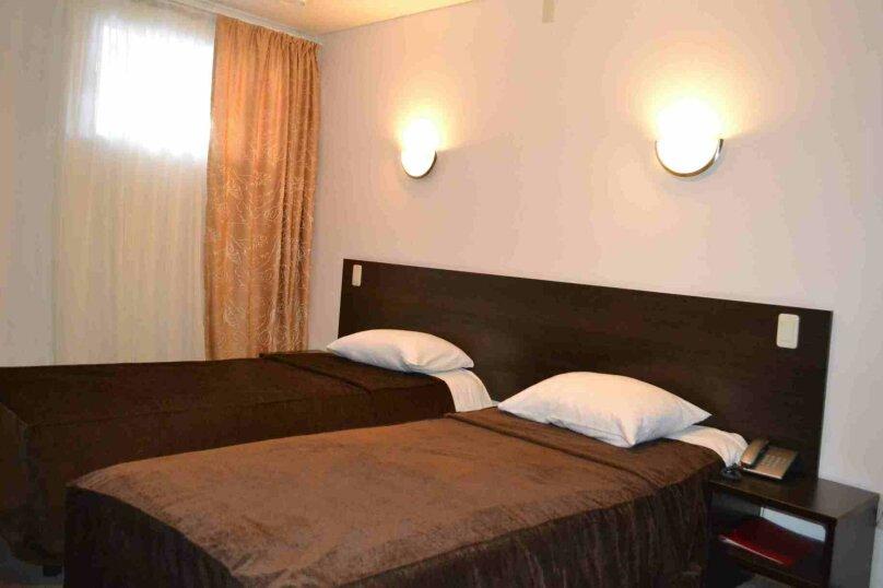Комфорт с большой  кроватью, 3-й Томский переулок, 5А, Челябинск - Фотография 1