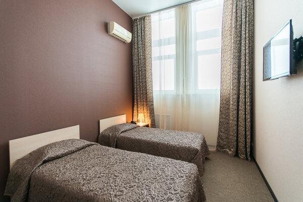 Гостиница, Тепличная улица, 4 на 20 номеров - Фотография 1