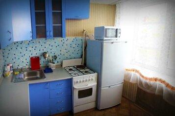 1-комн. квартира, 39 кв.м. на 4 человека, Коммунарский переулок, 27, Бийск - Фотография 4