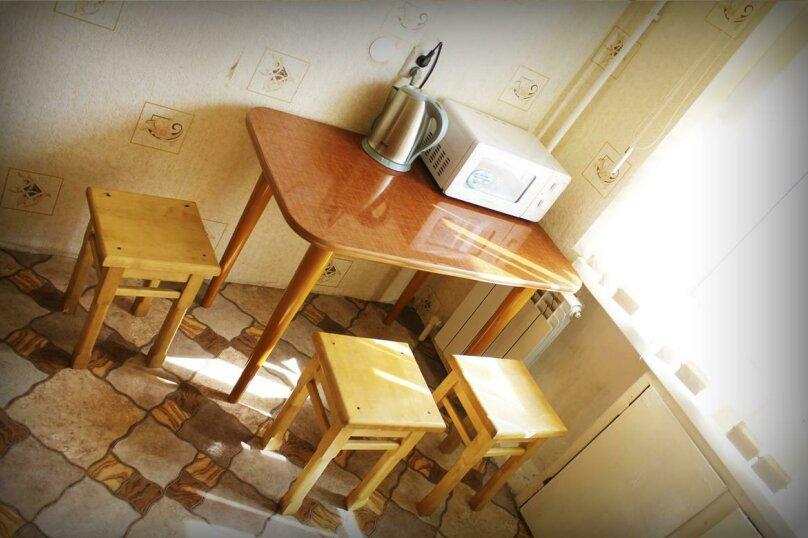 2-комн. квартира, 49 кв.м. на 7 человек, улица Вали Максимовой, 21, Бийск - Фотография 7