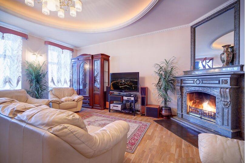 4-комн. квартира, 154 кв.м. на 9 человек, 3-я Советская улица, 21/4, Санкт-Петербург - Фотография 1