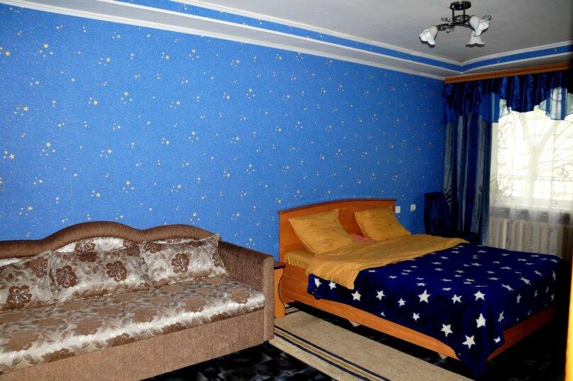 3-комн. квартира, 64 кв.м. на 8 человек, Рубцовский проспект, 37, Рубцовск - Фотография 1