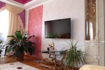 3-комн. квартира, 100 кв.м. на 7 человек, улица Гагарина, 50, Судак - Фотография 1