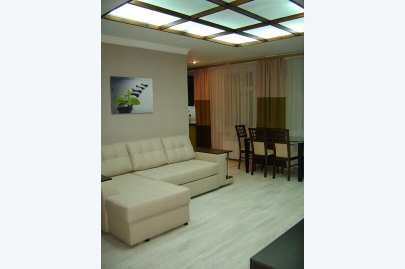 3-комн. квартира, 54 кв.м. на 6 человек, улица Гагарина, 5, Судак - Фотография 1