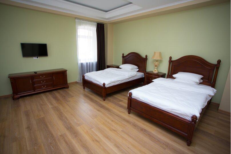 двухместный с раздельными кроватями, улица Чкалова, 21, Гатчина - Фотография 1