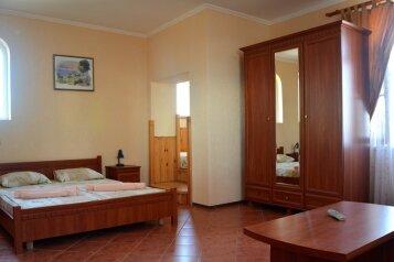 Отель, Черноморский район, с. Знаменское на 68 номеров - Фотография 4