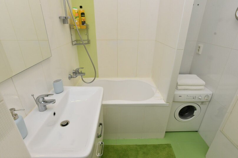 1-комн. квартира, 44 кв.м. на 4 человека, улица Шейнкмана, 111, Екатеринбург - Фотография 10