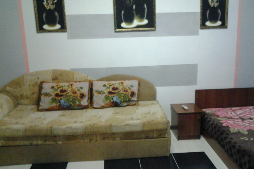 "Гостиница ""На Комсомольской 8"", Комсомольская улица, 8 на 8 комнат - Фотография 2"