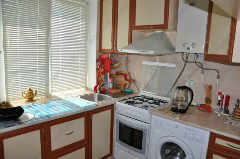 1-комн. квартира, 30 кв.м. на 5 человек, улица Энгельса, 4А, Ейск - Фотография 8
