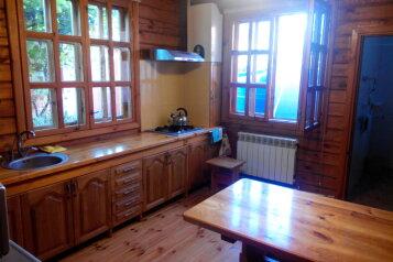 Дом в Береговом, деревянный коттедж, 120 кв.м. на 8 человек, 4 спальни, Интернациональная улица, 17, Береговое, Феодосия - Фотография 2