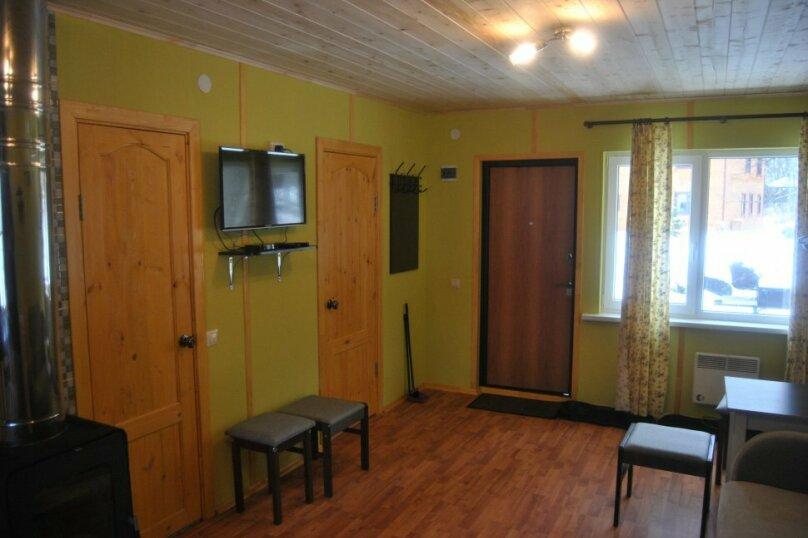 Дом на берегу реки Вуокса, 60 кв.м. на 4 человека, 2 спальни, улица Ленина, 2, Приозерск - Фотография 2