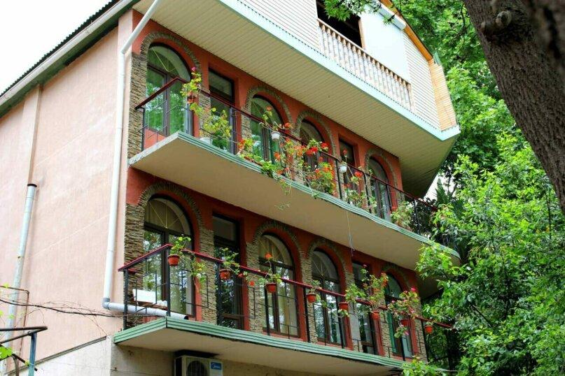 Гостевой дом на Дмитриева, улица Дмитриева, 7 на 8 комнат - Фотография 2
